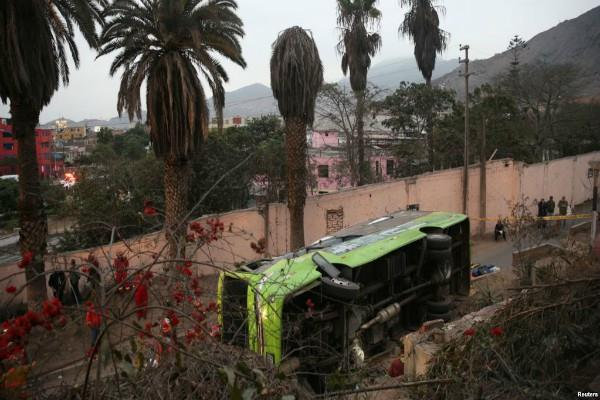 at least 9 dead in peru bus crash