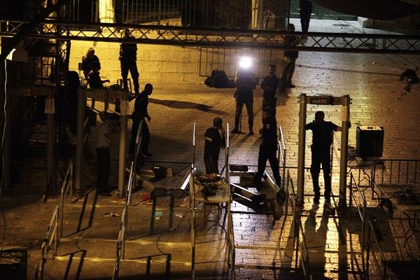 metal detectors to be removed from holy site in israel