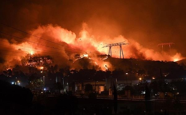 housands evacuated after wildfire on france  s mediterranean coast