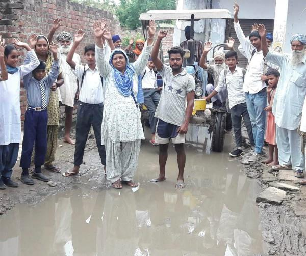 fury in the villagers due to non clearance of dirty water