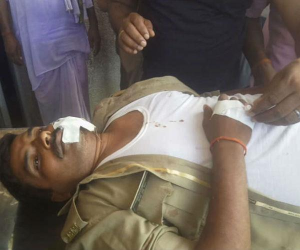 painful incident happened with police going to dabshi  1 death  7 injured