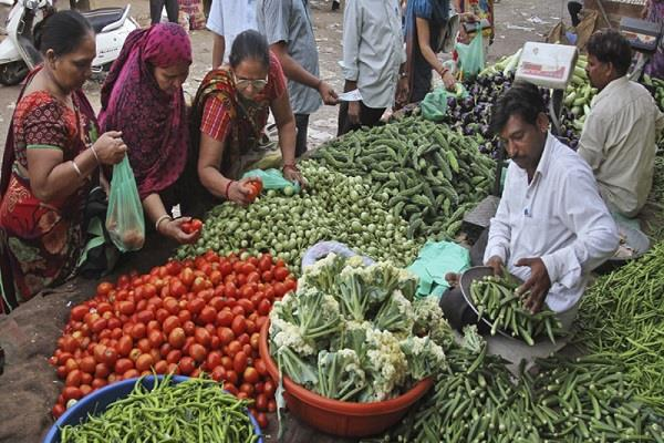 the wholesale inflation declined to 0 9 in june
