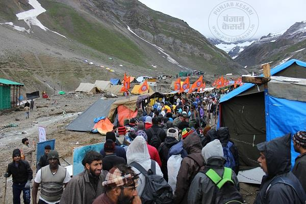 3603 devoters depart from jammu for amarnath cave