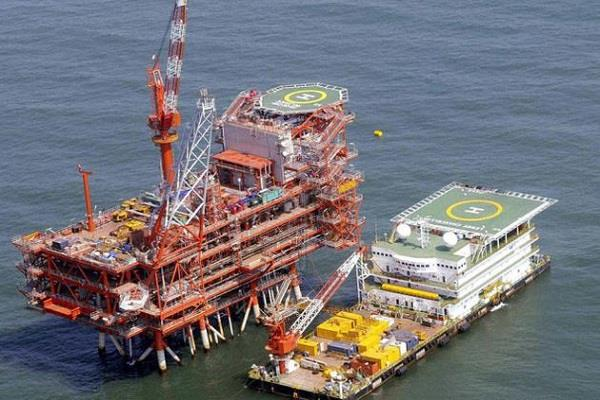 government issues ril  shell and ongc notice of fine