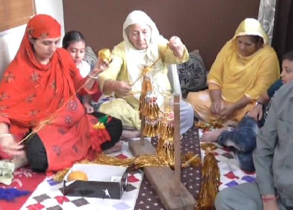 300 years old tradition muslim family without prayer does not start this fair