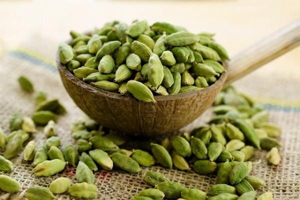 decrease in cardamom futures prices by 1 07 percent