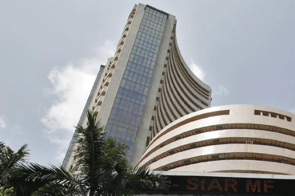 stocks closed on red mark sensex rolled 364 points