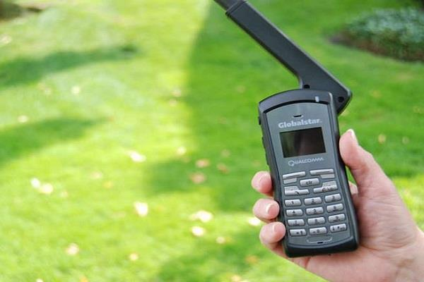 satellite phone area is open to all  telecom minister