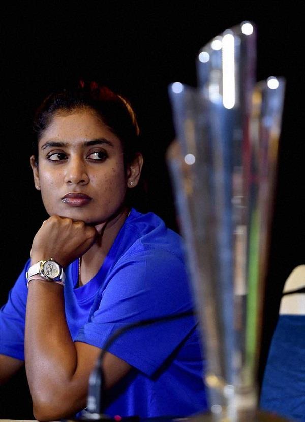 इस लड़की ने बनाया क्रिकेट में नया रिकॉर्ड, जानिए इनसे जुड़ी 10 खास बातें