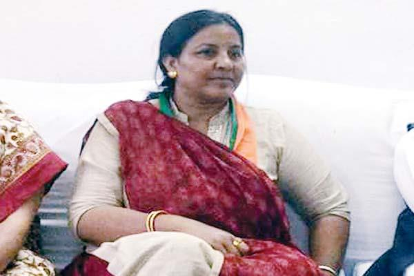 bjp mahila morcha target on government  questioning on police investigation