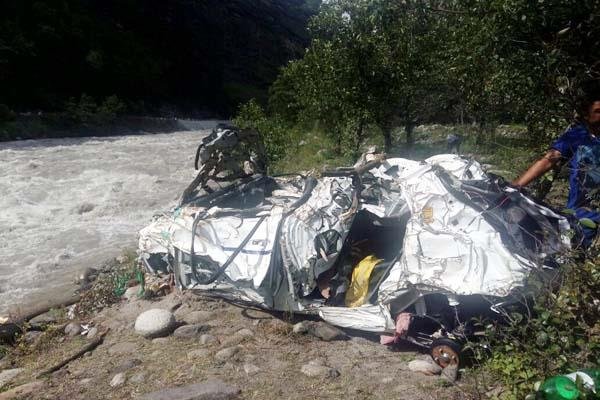 alto car fall into beas river  driver survived like this