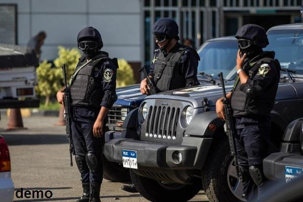 egyptian police shot two suspects in giza