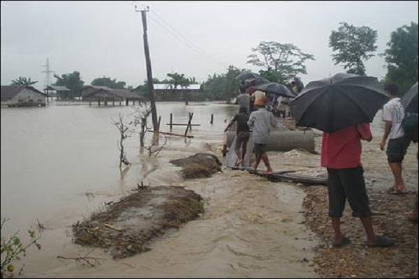 due to heavy rains floods meghalaya 3 deaths