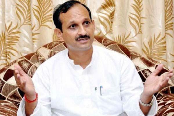 satti said  cm lost his mental balance  spoiled the political environment
