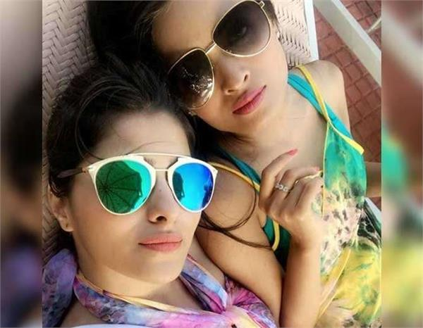 aparna dixit enjoying holidays in goa