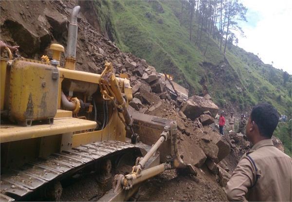 gangotri route affected by heavy rain