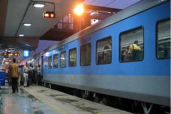 after the cag rebuffs  blankets from railway coaches removed