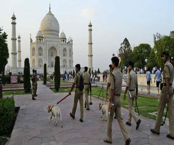 after information about bomb in taj mahal