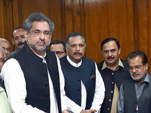 formation of pakistan new cabinet postponed