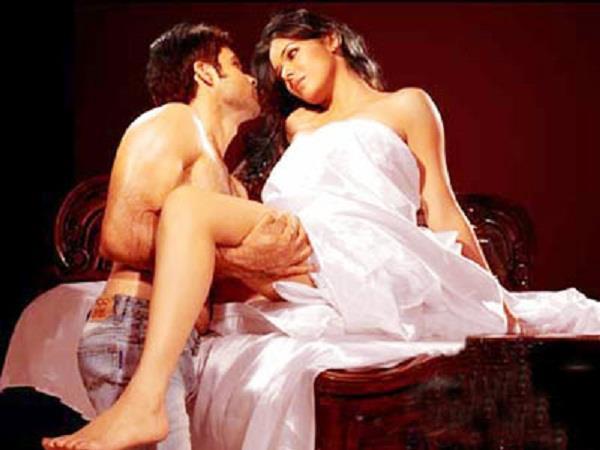 actoress udita goswami gave many intimate scence