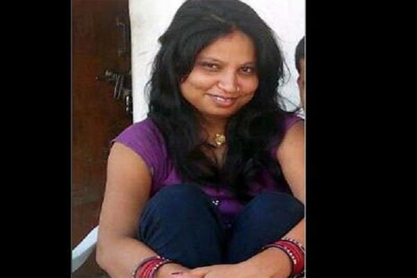 married woman living with boyfriend killed by another woman in noida
