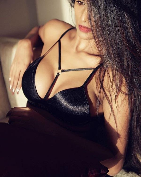 poonam pandey will be surprised at this change now on his app