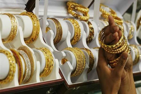 gold prices too bounce  silver also shines