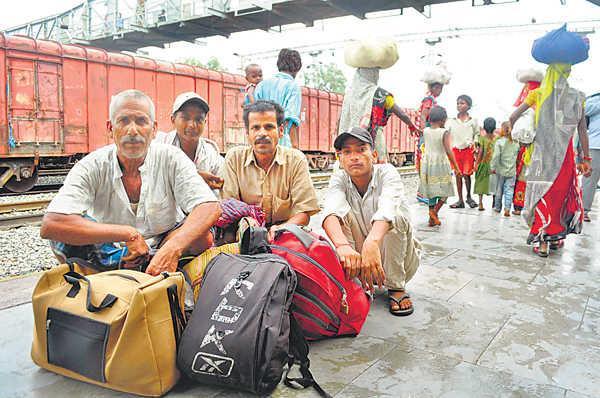 floods push biharis to punjab