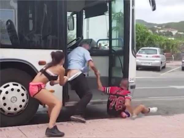 girl fight with bus driver video viral
