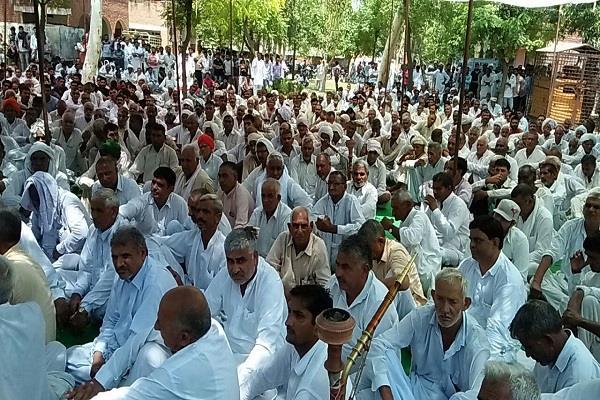 maha panchayat jats protested against attack on malik