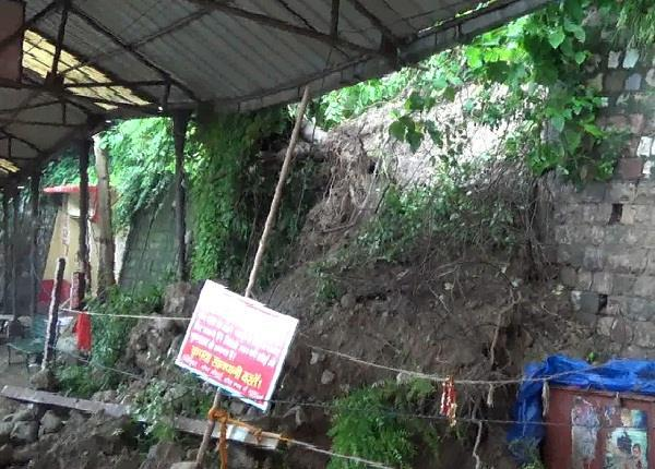 world famous shaktipeeth jawalamukh in danger of accident