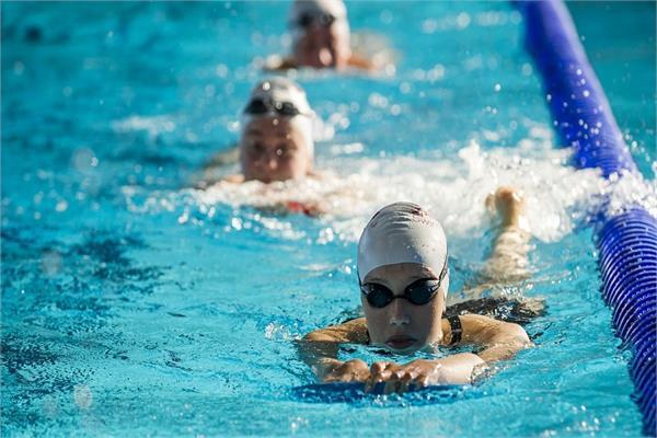 मोेटापे से लेकर दिल की कई बीमारियों को दूर करती है Swimming