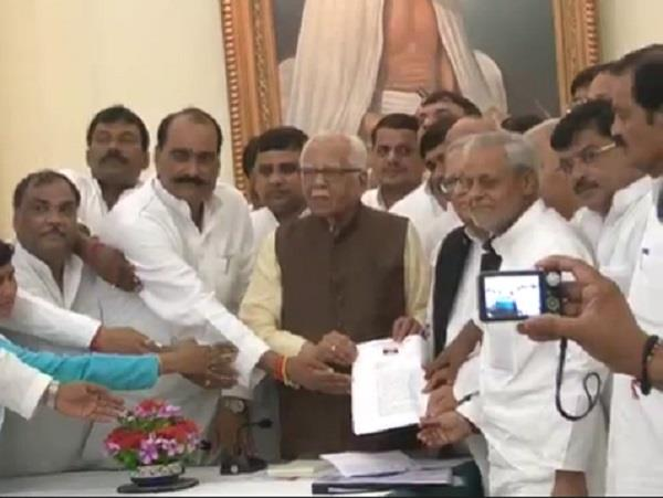 sp  s delegation meet from up governor ram naik
