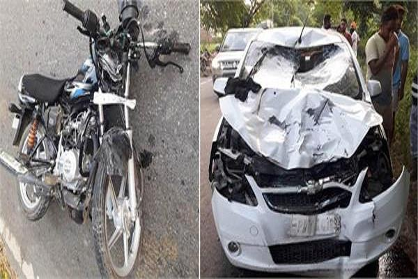 4 injured in collision of car and motorcycle