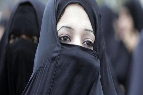 restrictions on wearing a burqa installed by the government in austria
