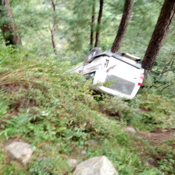 painful incident deep trench in fall tata sumo 2 deaths