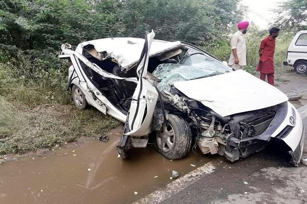every year more than 4500 people visit road accidents
