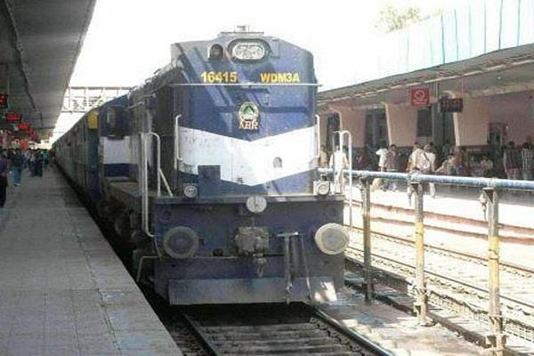 bad news for passengers traveling from una to delhi  some trains canceled