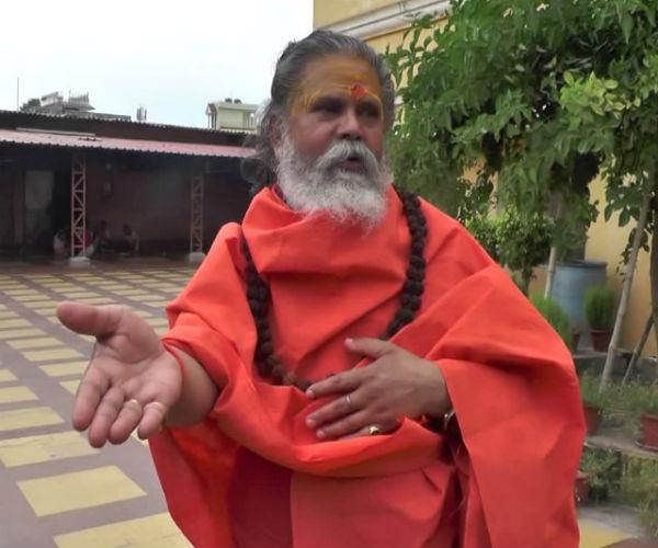notice issued to akhara council president on issuing list of fake baba