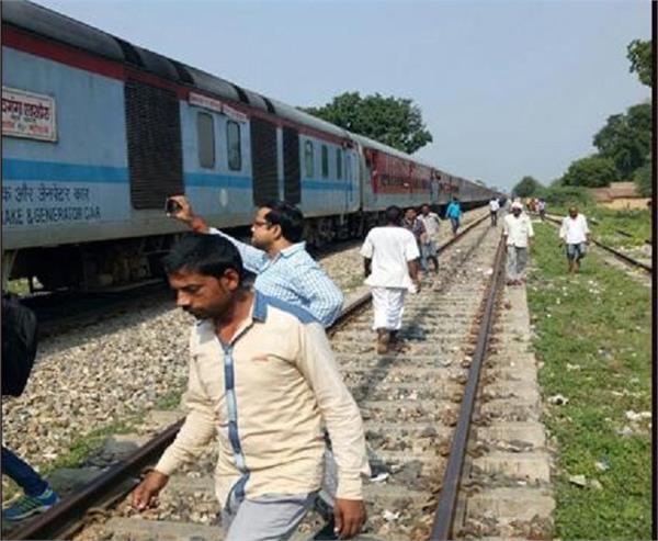 major rail accident shivanganga express running without engine