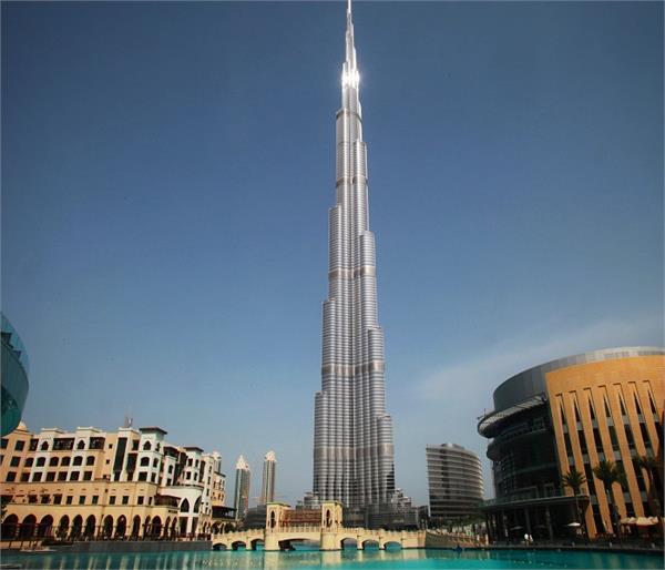 आसमान को छूती दुनिया की 6 सबसे ऊंची इमारतें