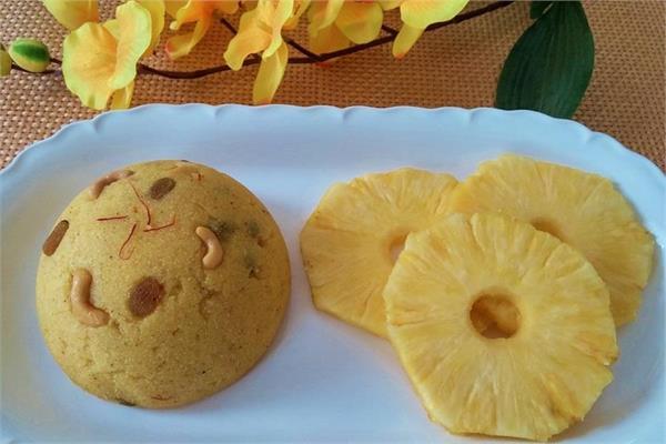 मीठे में बनाकर खाएं Pineapple Sheera