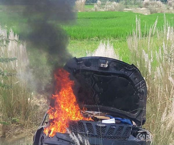 devar sister in law dies in a painful accident  angry mob gives car to fire