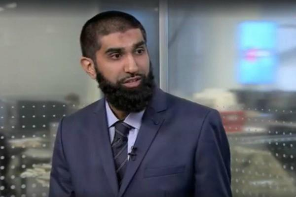 muslim leader refuses to shake hands with female minister on tv