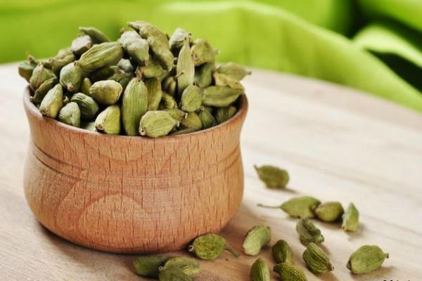 cardamom in futures trade up 0 42