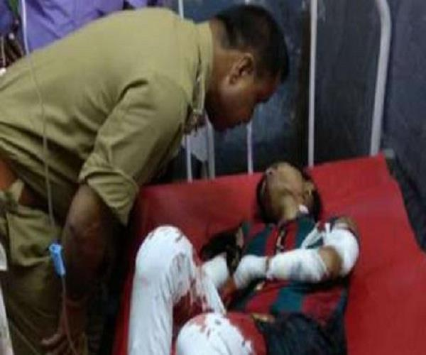 a man in unilateral love attacked a girl
