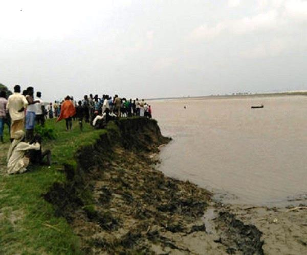 after the baghpat  in baliya  the search for the death of a boat  1 killed