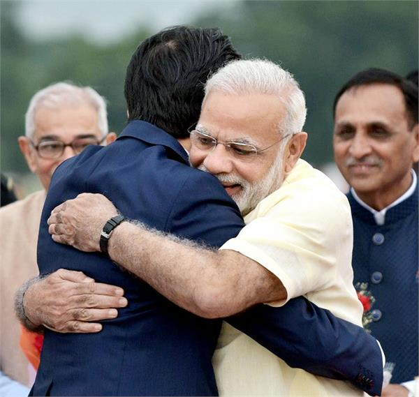 modi and abe will arrive today in gujarat