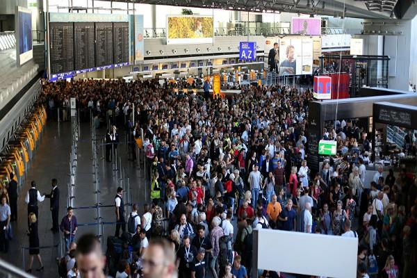tear gas attack injures at least 6 people in frankfurt airport