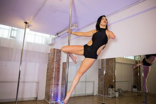 viral content this specially abled pole dancer is twice world champion